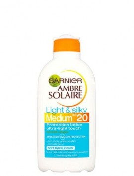 Garnier Ambre Solaire Light & Silky Medium Protection Lotion SPF20 (200ml)